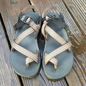 Brown Chaco's Size 7M W9